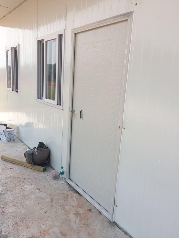 yabo官方网站阳振活动板房厂--活动板房专用门