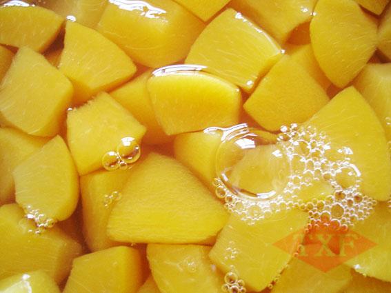 黄桃丁罐头