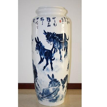 骨质瓷釉下青花大瓶-群驴图