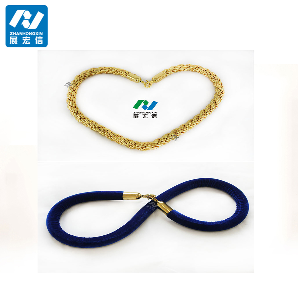 Twisted ropes for queue line stanchion
