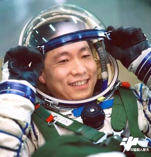 """""""飞天就是我的初心和使命!""""——专访航天英雄、中国首飞航天员杨利伟"""