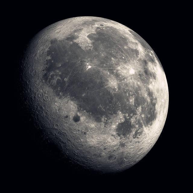 中国航天经济新目标:本世纪中叶建成地月空间经济区
