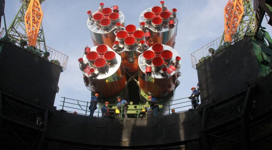OneWeb的第一个大型发射活动推迟到一月份