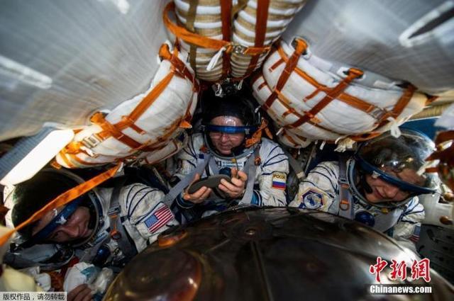 在地球隔离比在太空更孤独?疫情下三位宇航员返家