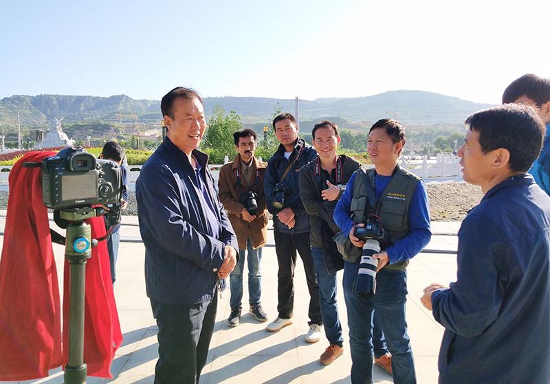 9月6日至9日,邓尚喜主席应邀访问甘肃庆城县,并与当地影友创作交流。