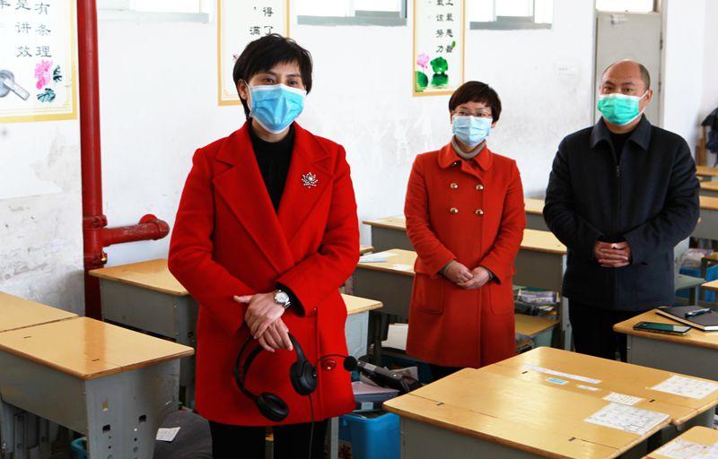 郭玲调研亚博棋牌平台校园疫情防控、教育教学及2020年高考备考