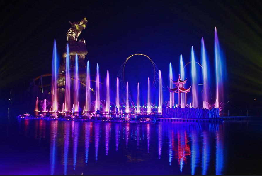 合肥万达主题乐园大湖秀音乐喷泉
